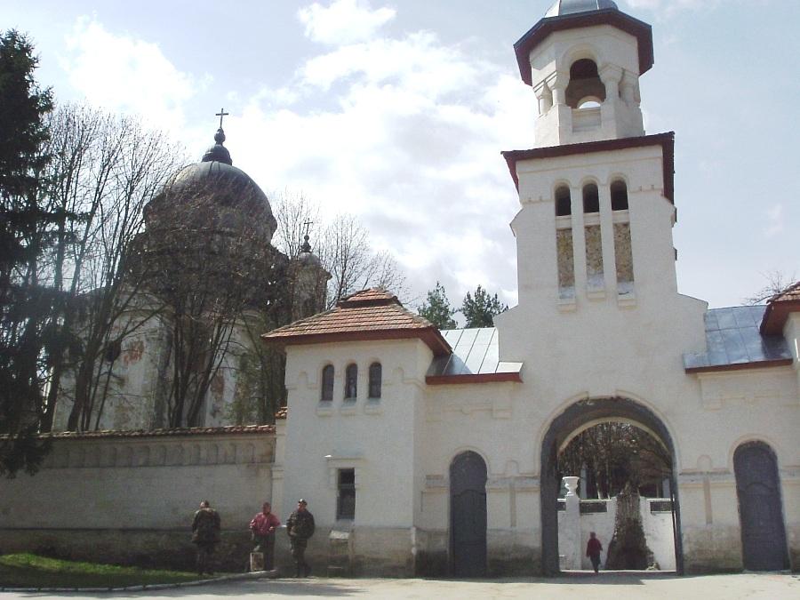 Монастырь Курки
