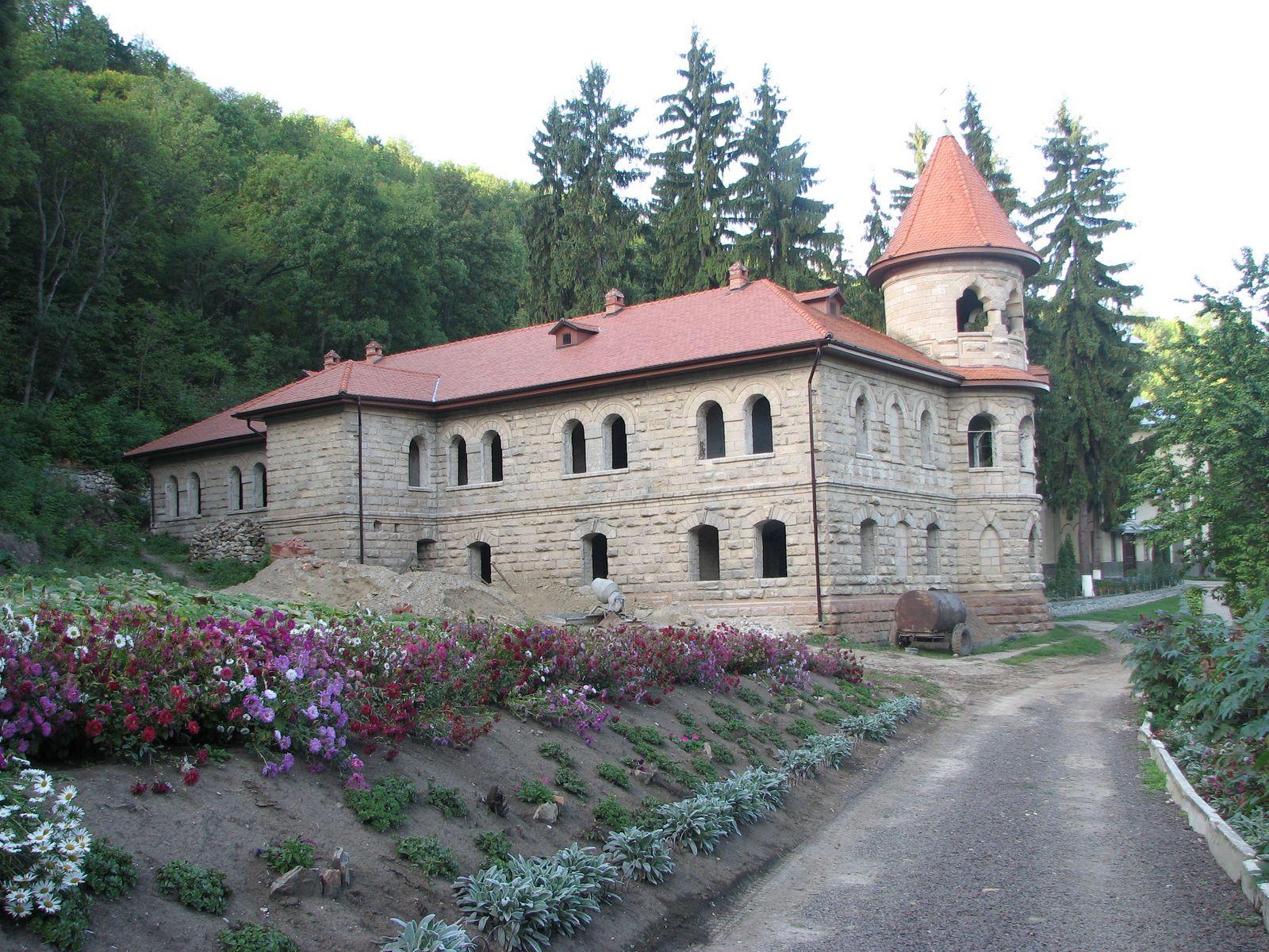 Монастырь Руди