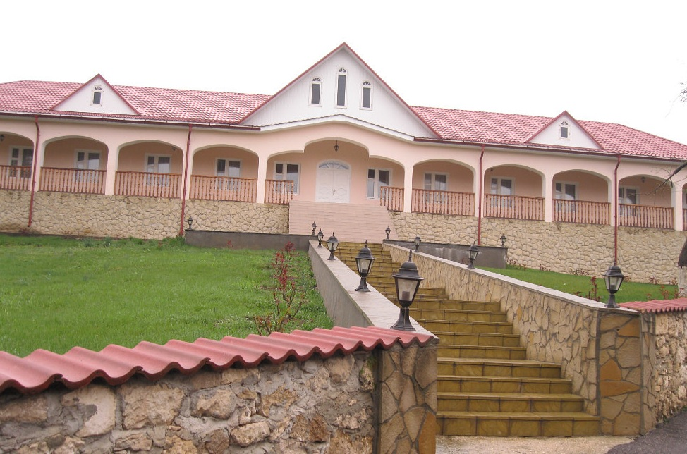 Монастырь Суручень